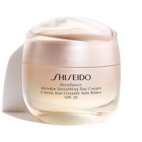 Shiseido Wrinkle Smoothing Day Cream SPF25